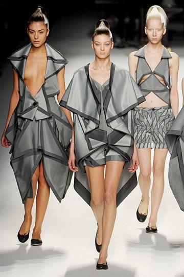 Issey Miyake fall 11 - origami                                                                                                                                                      More