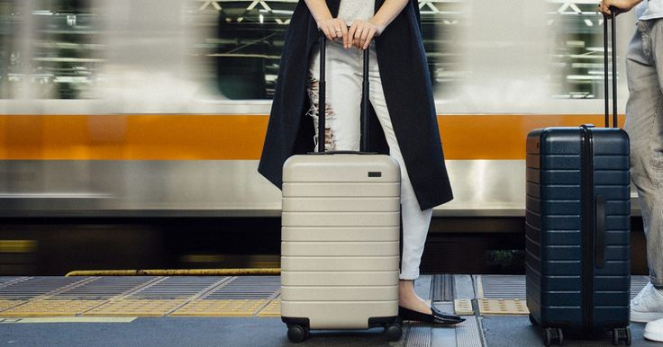 Luggage for the modern traveler—lightweight, premium features, and a lifetime warranty. Free shipping and a 100-day trial period.