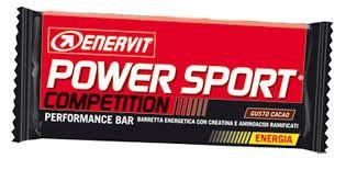 Di solito prima di salire sulla mia tavola, cerco di assumere un po' di proteine in forma di barretta: con Enervit mi trovo bene, ci sono tanti gusti golosi che mi danno una sferzata di energia