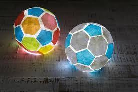 Basteln von Fußballlampions