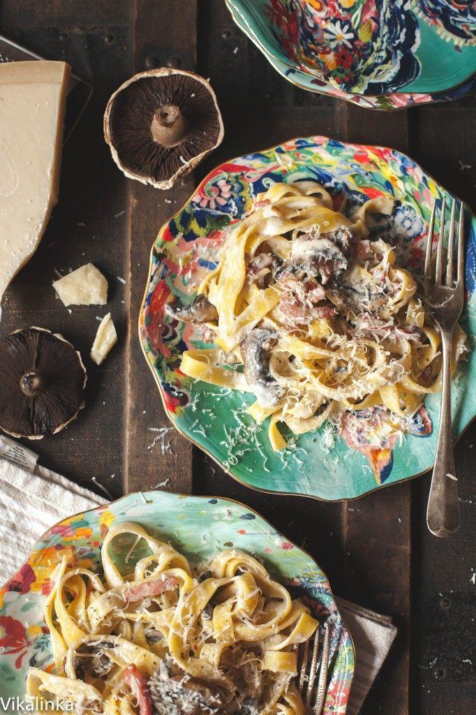 Pasta with Bacon & Portobello Mushrooms by vikalinka Quick and absolutely delicious! #Pasta #Bacon #Portobello