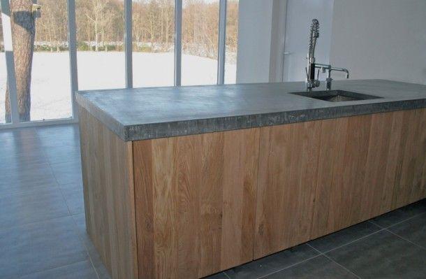 Keukens gemaakt door Koak Design met ikea kasten. | Groot eiland met betonnen blad. Door KoakDesign