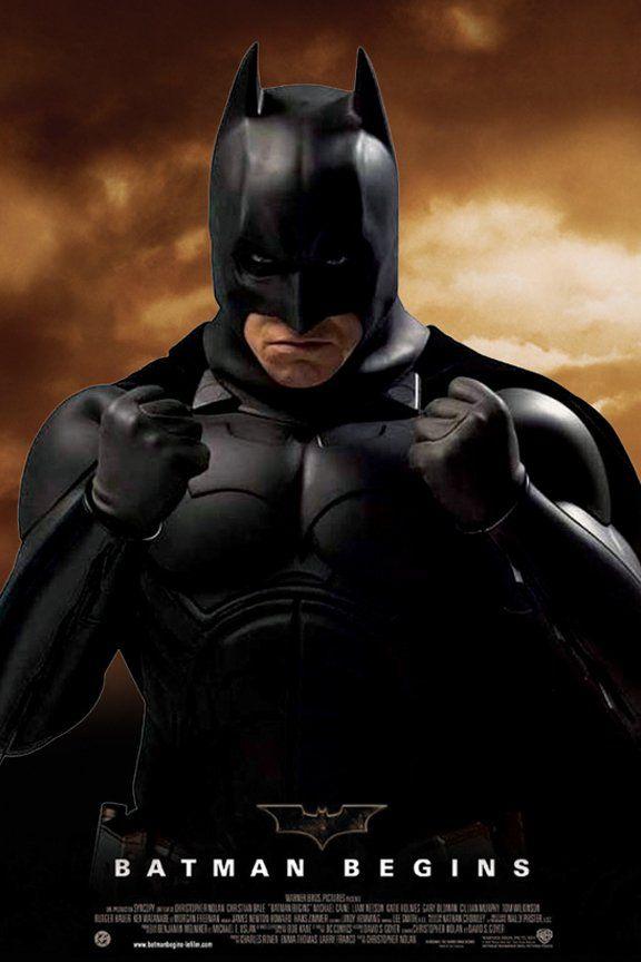 Ailesinin öldürülmesinin ardından muazzam bir servetin sahibi olsa da, büyük hayal kırıklığı yaşayan Bruce Wayne (Christian Bale), adaletsizlikle savaşmanın yollarını bulmak, ve güçsüzleri korkuya boğanlara gözdağı vermek amacıyla dünyayı dolaşır. Wayne bir süre sonra Gotham'a dönerek, diğer kimliğini ortaya çıkarır: Gücünü, aklını ve yüksek teknoloji ürünü araçlarını, şehri tehdit eden kötü güçlere karşı kullanan maskeli Batman'i.