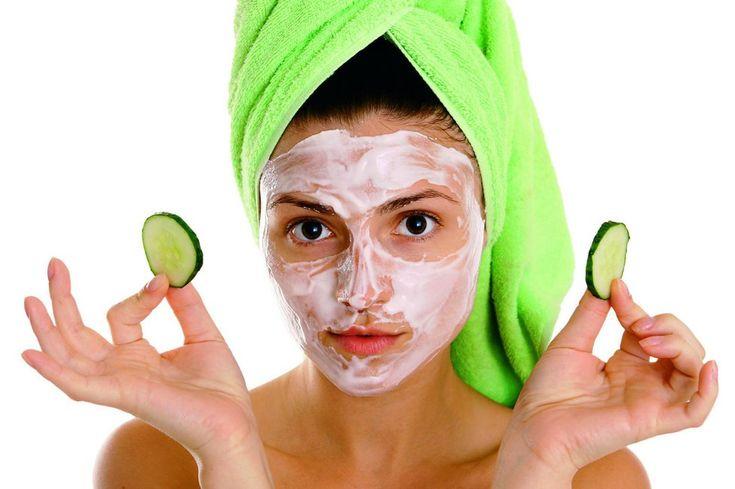 Trápí vás také mastná pleť? Obrovské pórya další nedokonalosti obličeje? Samozřejmě, že existuje mnoho produktů, jak se zbavit takových problémů, ale krom toho, že jsou drahé, jsou také opravdu účinné? A nezapomeňme, že kosmetické produkty disponují chemickými sloučeninami, které našemu organismu také nepřidávají. Nejlepší tipy pro vaši pleť Vsaďte raději na přírodní produkty, smíchejte například …