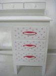 New desk for girls, hand painted incl decoration #kinderbureau #kindermeubelen #kinderkamers