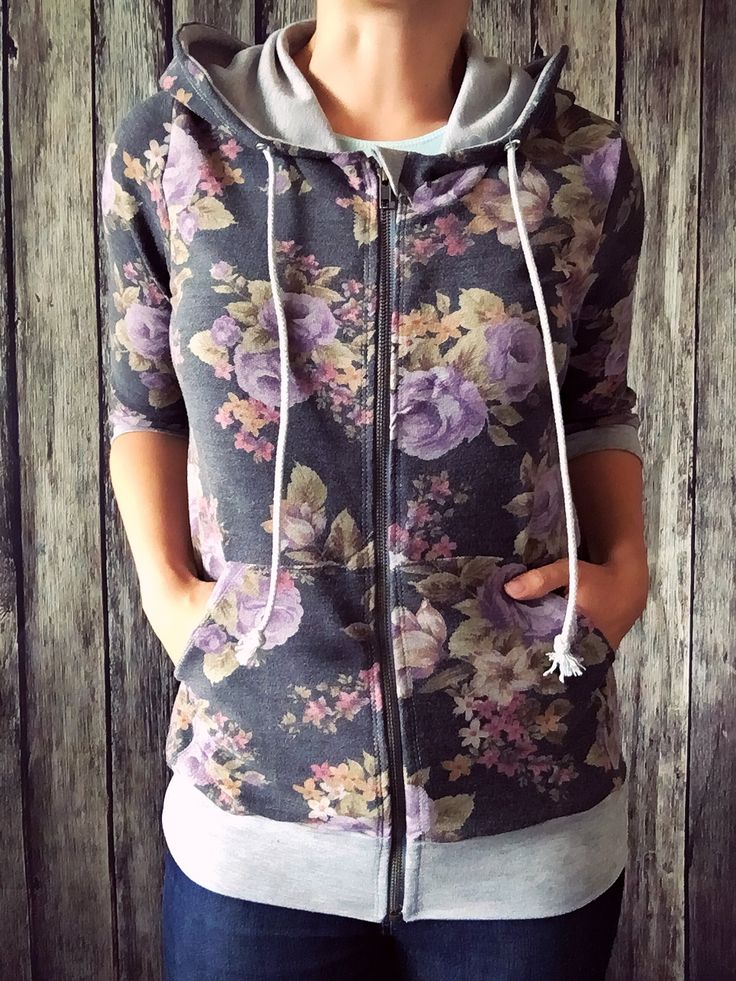Learn to sew your own comfortable and trendy hoodie with The Babe Hoodie sewing pattern! Follow me step by step and see in this self-paced sew along.