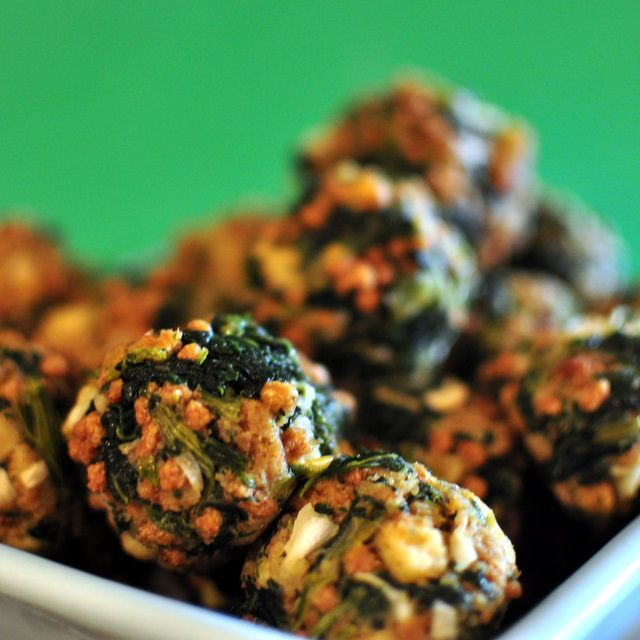 spinach balls.. good appetizer | Food and treats | Pinterest