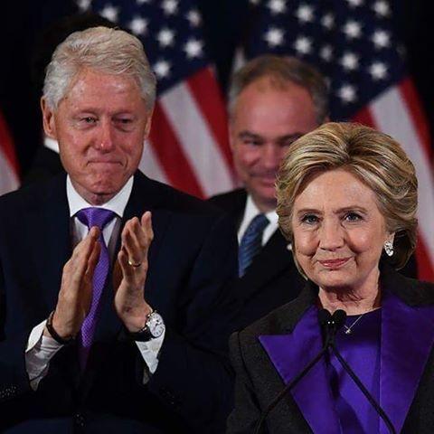 Attualità: Un #commosso #Bill Clinton applaude la moglie Hillar... (skytg24hd) (link: http://www.tuttosulinux.com/cerca-prodotto/newsitem/317299/Attualita-Un-commosso-Bill-Clinton-applaude-la-moglie-Hillar-skytg24hd.html )