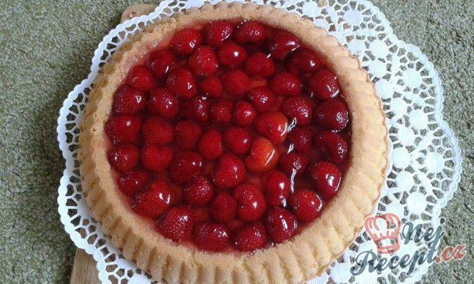 Letní koláč s jahodami
