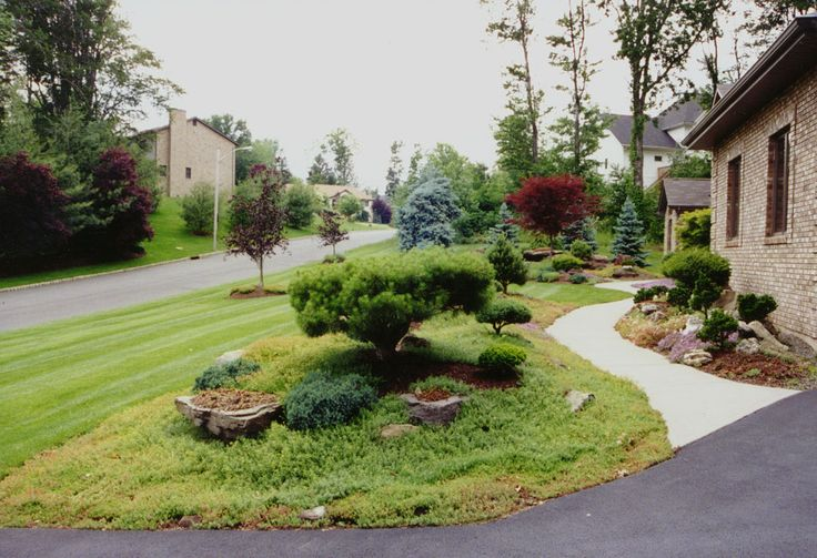 Front of house landscaping in rockland county ny this for Natural landscaping ideas front yard