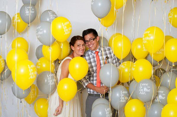 Balloon background for a homemade photo booth!  Mom, think this would be fun? Do white and coral balloons in one of the corners?