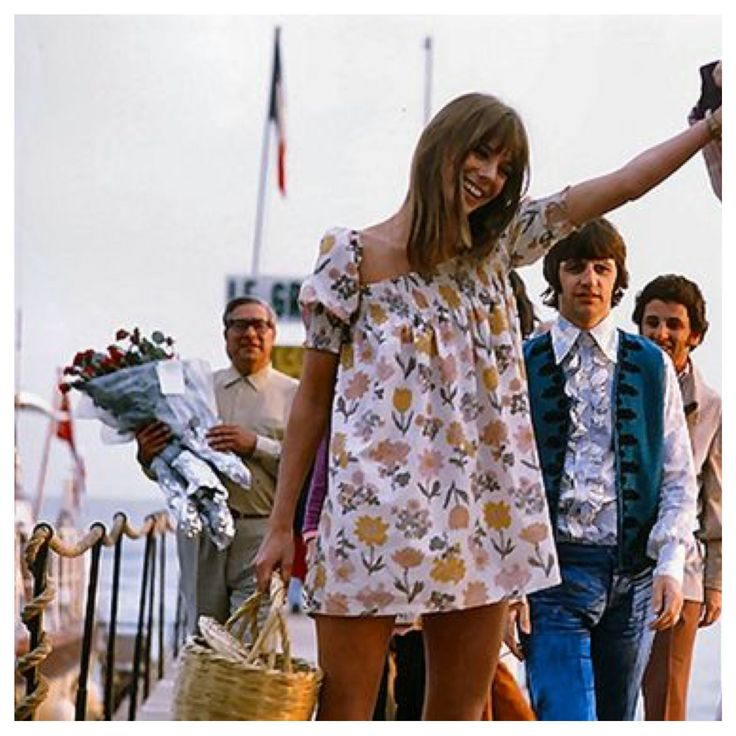 Jane Birkin (I think) and then there's just Ringo in the background...