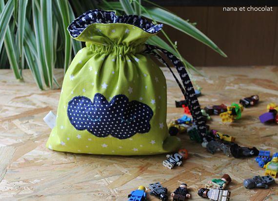 Pochon en coton vert à étoiles sac à goûter sac à jouets
