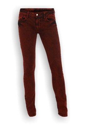 Seven Sisters Noa Jeans. Rode skinny in 5-pocket model. De skinny heeft strakke pijpen en een regular taille. Door de washing krijgt de broek een ruige look. Gemaakt van 98% katoen en 2% elasthan.  #zomercollectie #zomerkledingdames #zomerkleding