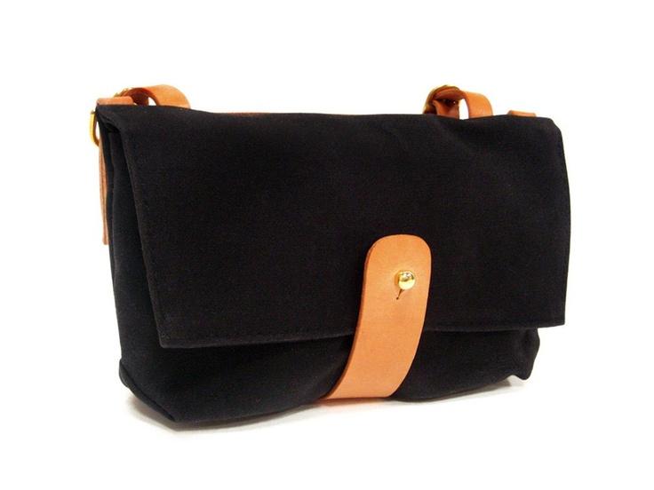 Handlebar Bag in Black. $95.00, via Etsy.: Bags Bella, Handlebar Bags, Bags Series, Bike Bags