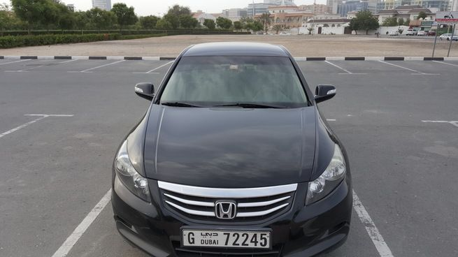 Honda Accord 2012 GCC Specs Mid Option Never Accident Perfect condition never accident no damages no mechanical fault, Reason for selling is upgrade to SUV.