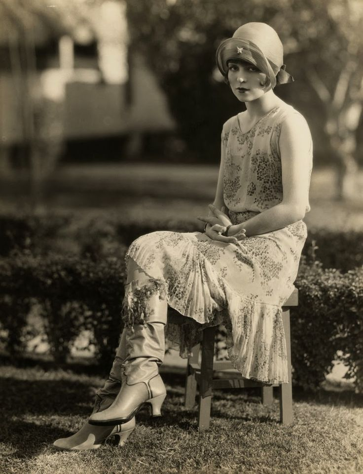 """I LOVE these boots!! vintage everyday: Clara Bow for """"Kid Boots"""", 1926"""