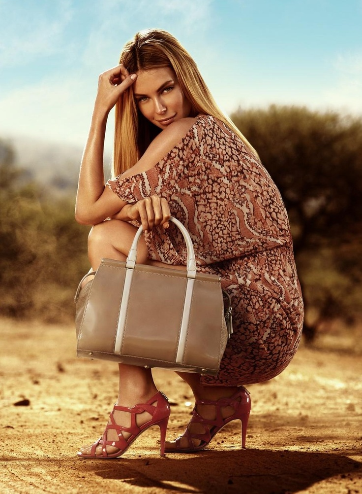 INNOVARE MADE IN ITALY 'Mattie' sandal and leather tote, WAYNE BY WAYNE COOPER cosmetic snake print sleeve kaftan dress