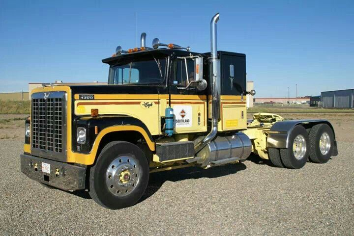 INTERNATIONAL 4300 TRANSTAR EAGLE