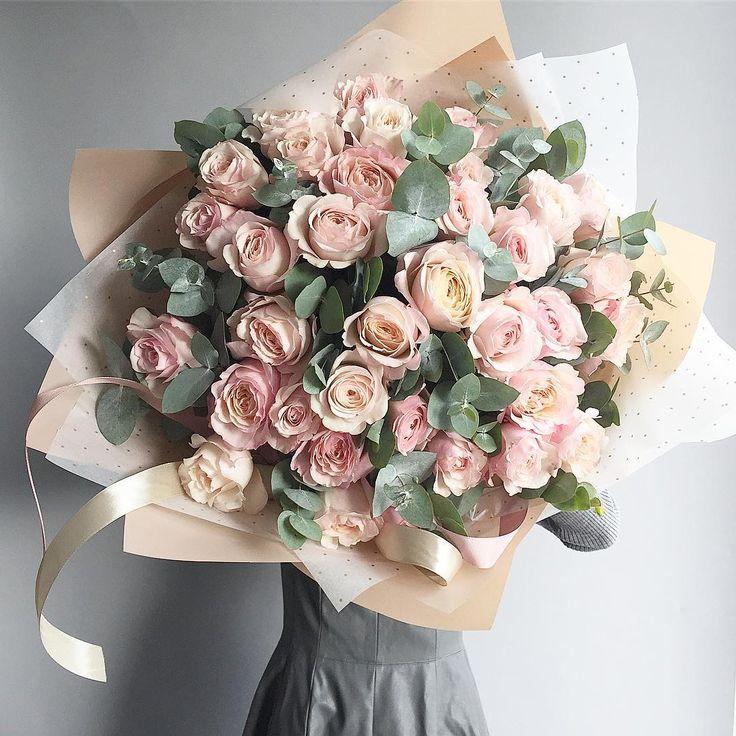 """Polubienia: 5,050, komentarze: 13 – букеты цветы оформления МОСКВА (@flowerslovers.ru) na Instagramie: """"Самые красивые и стильные пионовидные розы✨ доступные для заказа в москве прямо сегодня!  Розовые,…"""""""