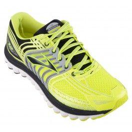 http://heren.schoenen.org/p/sportschoenen/  Voor de sportieve mannen onder ons, en zo zijn er heel wat hebben een groot aanbod sportschoenen klaar staan. Hardloopschoenen, indoor en outdoor sportschoenen en nog andere soorten komen aan bod als we het over dit type schoen hebben.