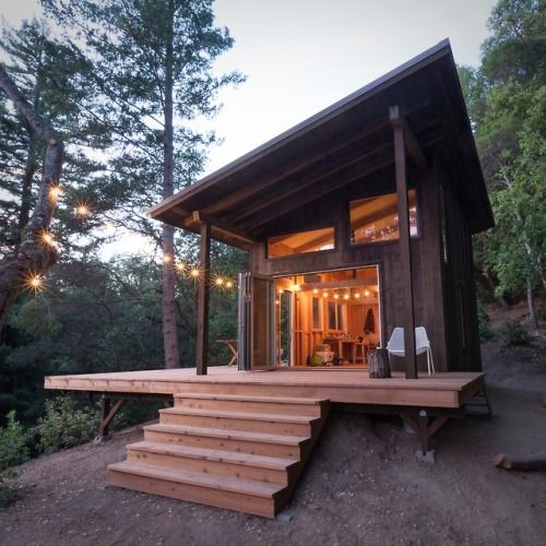 Off the grid cabin in the Santa Cruz mountains in 2019