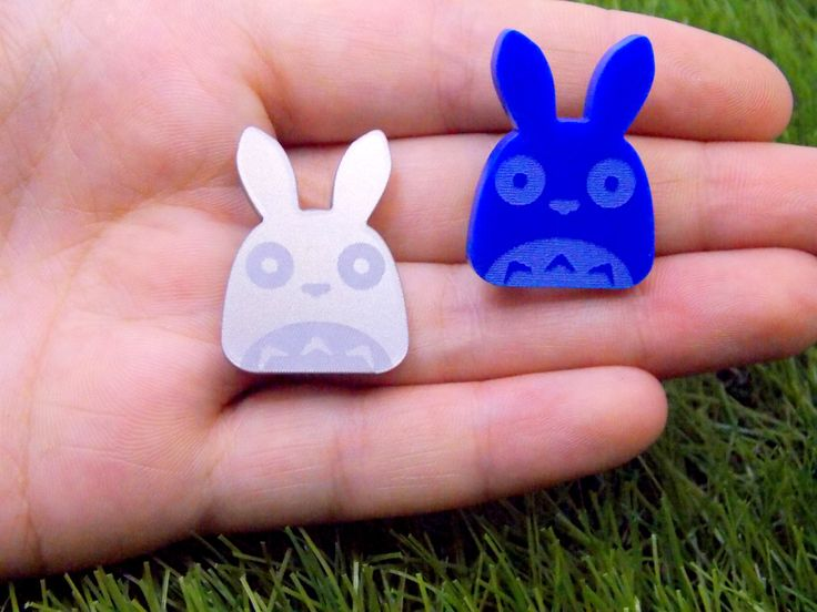 its throwback thursday: miyazaki inspired fanmade acrylic brooches!  i want to use soots for my future casual chihiro cosplay.