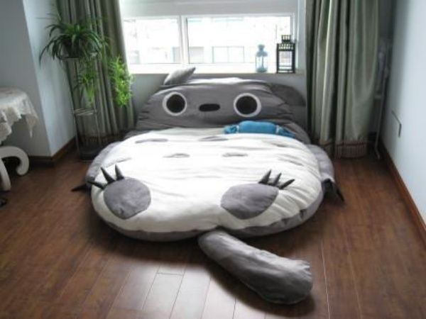 Must. Have. This. Totoro. Bed.