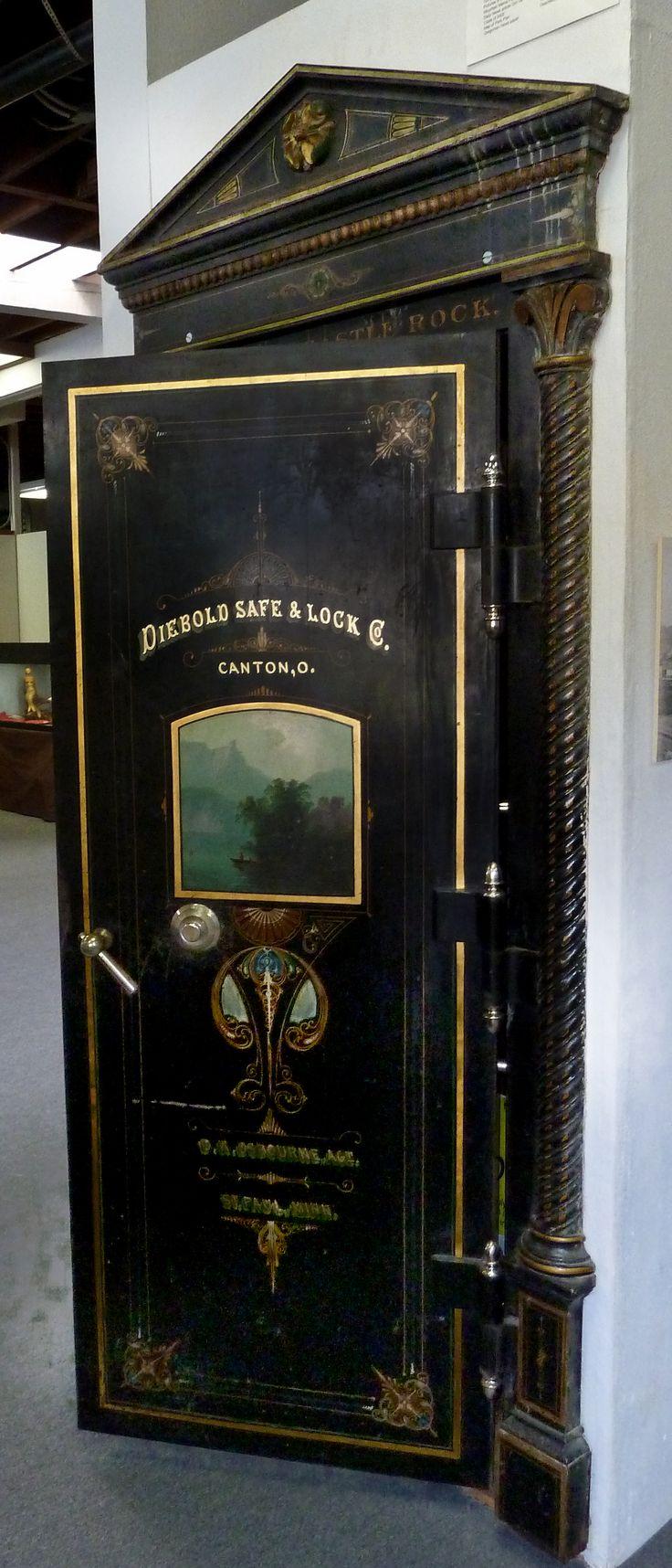 Diebold Vault Door originally installed in Castle Rock, Wa in 1904. I  removed it - 14 Best Venemous Vaults Images On Pinterest Vault Doors, Bank