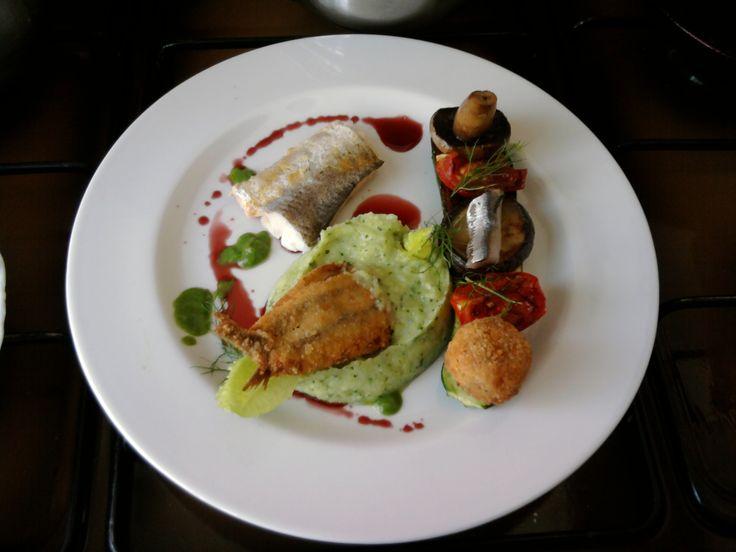 JHS  / Merluzzo con alice sandwich beccafico,verdure e crocchetta di patata ,salsa riduzione di vino rosso Gino D'Aquino
