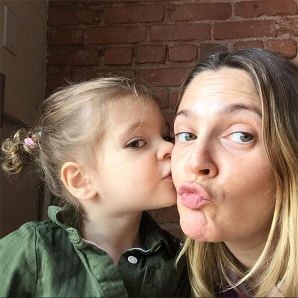14 Amazing Pictures Of Drew Barrymore Without Makeup Styles At Life Celebrity Moms Drew Barrymore Daughter Celebs Without Makeup