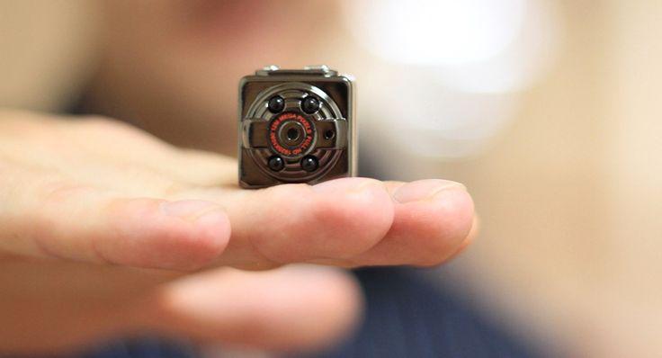 Беспроводные мини камеры для скрытого видеонаблюдения: новейшая система слежения http://remoo.ru/okna-i-dveri/besprovodnye-mini-kamery-dlya-skrytogo-videonablyudeniya/