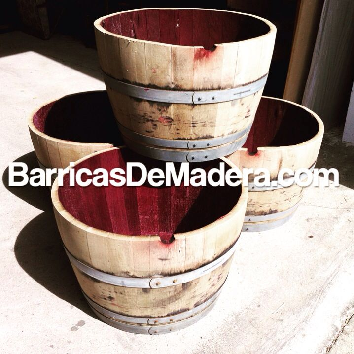 Available to export worlwide disponibles para enviar a todo el mundo #barrels #planters #weinfass #wijnvaten #wijnvat #blumenfass #gardendecor #vintønde #toneles #cubas #barriles #decoracion #reciclajecreativo #barrique #botti #vino #wine #whiskey #redwine #cooperage