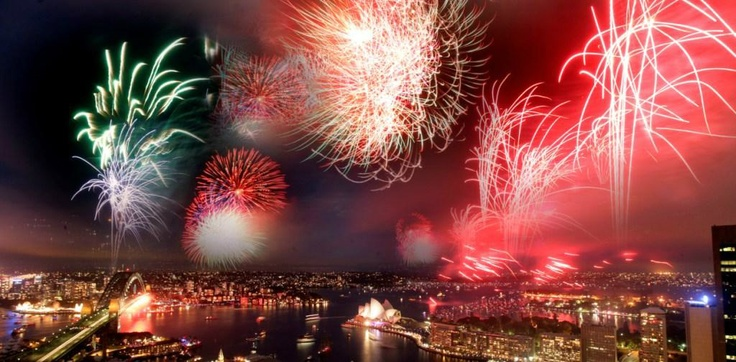 "Shangri-La ‏ @ShangriLaHotels  Check out the ""local"" fireworks display in Sydney, Australia @Shangrilasydney #FriFotos #local #spectacular pic.twitter.com/UaqaKZVX"