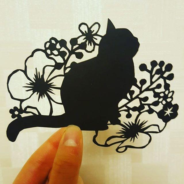 #페이퍼아트 #페이퍼커팅 #종이 #고양이 #꽃 #페이퍼커팅아트 #아트 #아트테라피 #미술놀이 #미술 #papercuttingart #papercut #papercutting #paperart #art #arttherapy #flower #cat