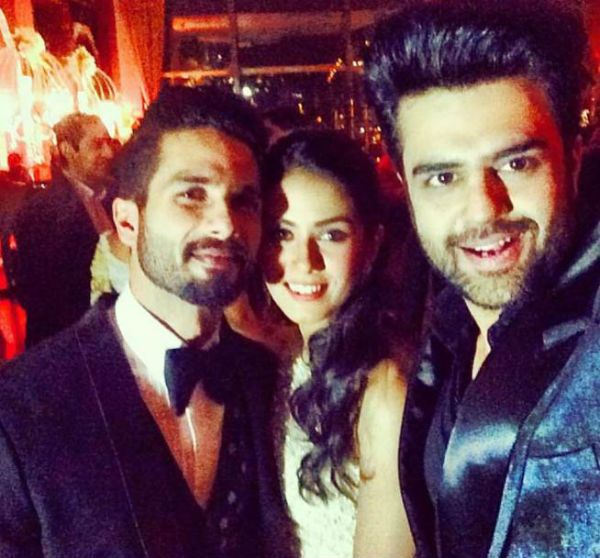 Shahid Kapoor punishes Manish Paul for sharing selfie with wife Mira Rajput on socialmedia!
