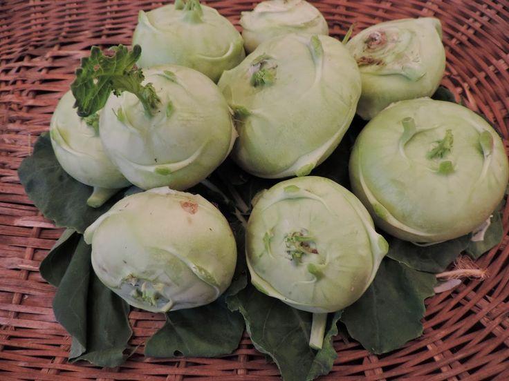 Os talos e as folhas também são comestíveis, nutritivos e gostosos   Tenho vergonha de chamar o prato de Kalan, um prato típico do estado...