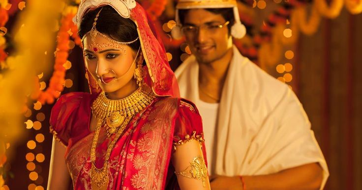 Bridal Makeup by Aniruddha Chakladar..Visit www.ShaadiSimplified.com for top makeup Artists