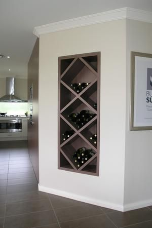 Bekijk de foto van san8888 met als titel Mooi ingebouwd wijnrek en andere inspirerende plaatjes op Welke.nl.