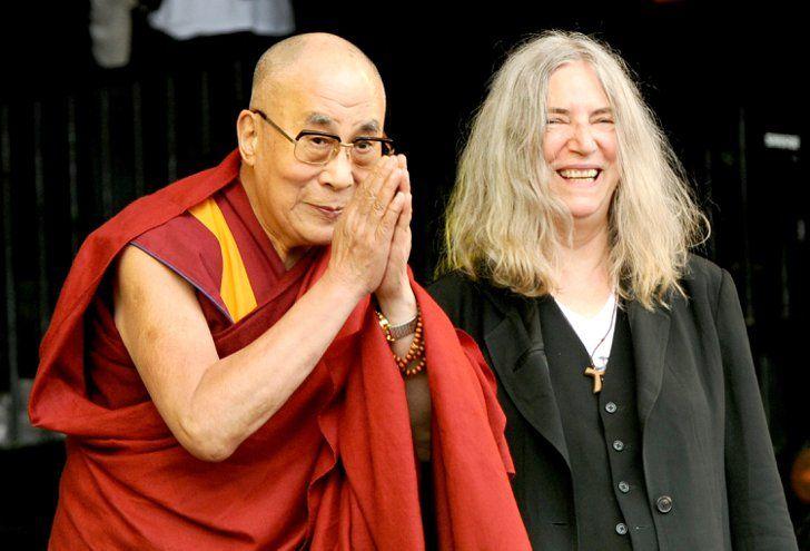 Pin for Later: Les Stars Se Sont une Fois de Plus Donné Rendez-vous à Glastonbury Le Dalai Lama et Patti Smith
