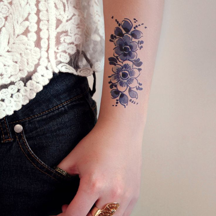 Delfts Blue flower tattoo
