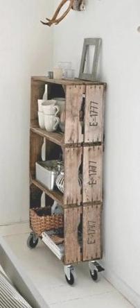 Jolie étagère en caisses de bois