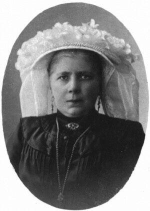Anna Smits met Poffer Deurne.