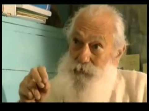 Tiziano Terzani monologo sulla felicità.