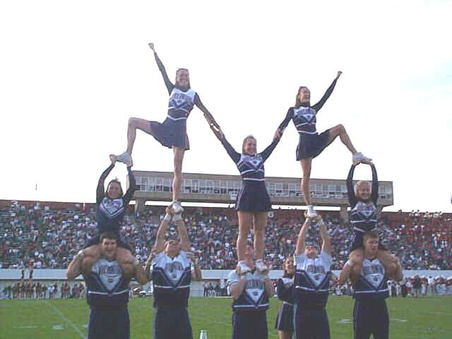Cheer Stunts and Pyramids   Pyramids: hitch with group of 4