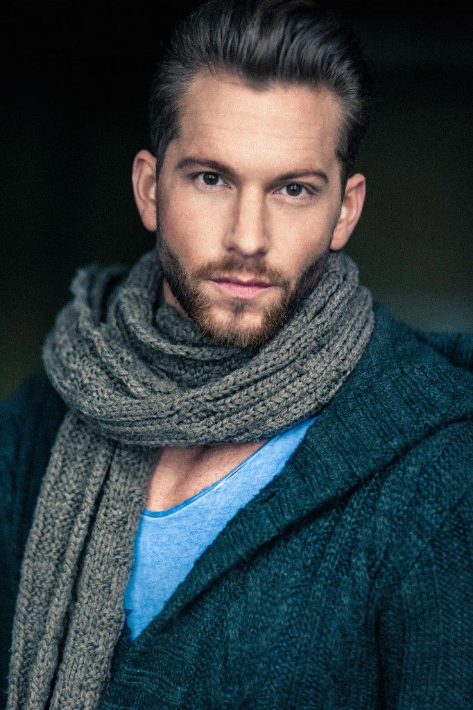 "Oliver Sanne (*3 Oct 1986 in Bonn, Nordrhein-Westfalen) was Mister Germany 2014, and will be the new bachelor in the 2015 season of the German TV show ""Der Bachelor"". He lives in Düsseldorf."
