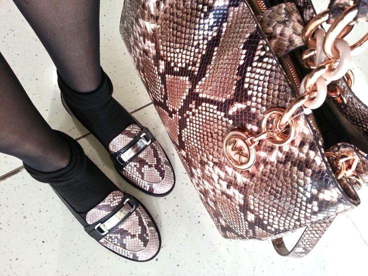 Personalizza il tuo look con scarpe ed accessori in stampa animalier!  Scopri MICHAEL KORS > http://goo.gl/ufuxkM ♥ #michaelkors #korscollection #ansley #donna #moda #accessori #woman