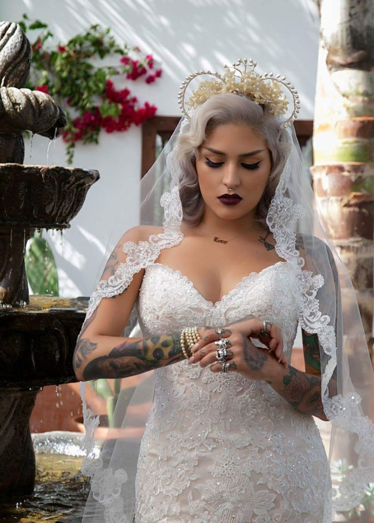 Beautiful Wedding Dress & Veil
