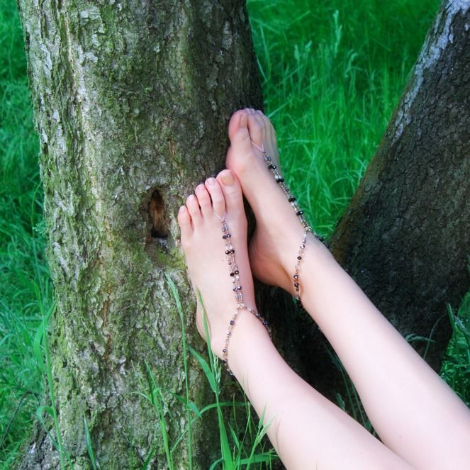 #boho #hippy in the woods with barefoot #slinks