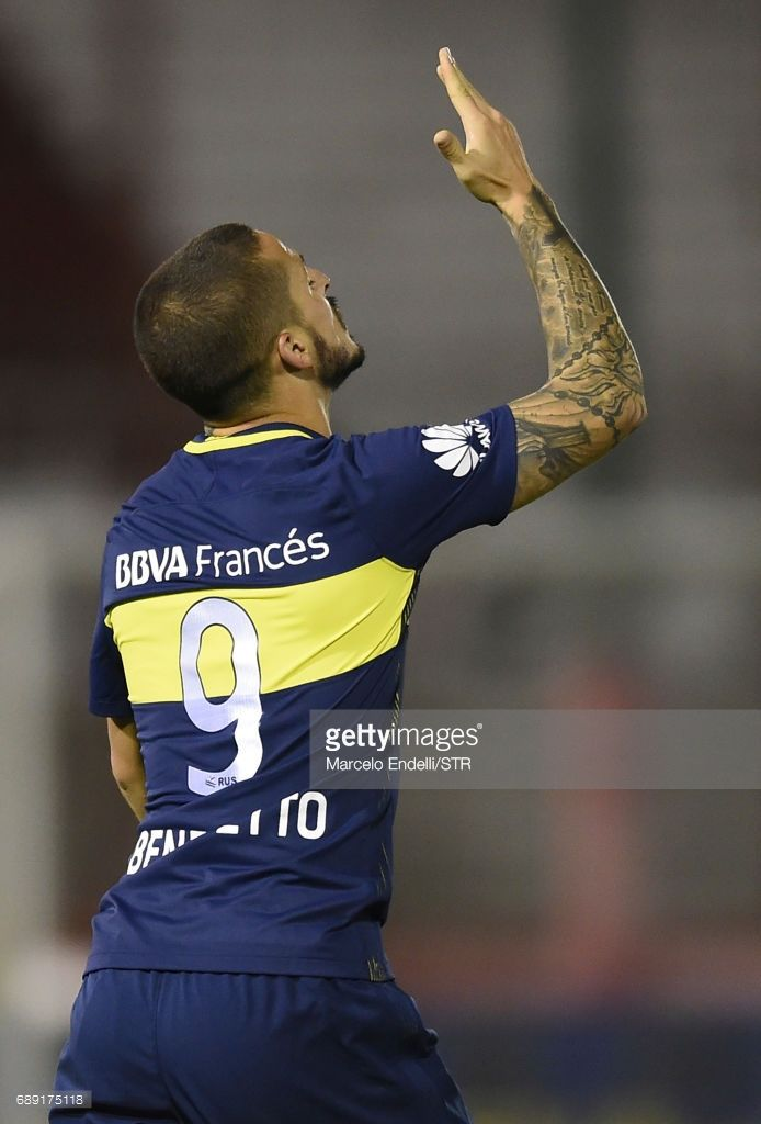 Dario Benedetto of Boca Juniors celebrates after scoring the first goal of his team during a match between Huracan and Boca Juniors as part of Torneo Primera Division 2016/17 at Tomas Adolfo Duco Stadium on May 27, 2017 in Buenos Aires, Argentina.